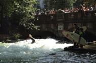 28_Eisbach_surf02
