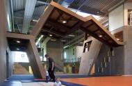 17_Gymnastics_and_Motor_Skills_Hall01