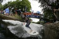 28_Eisbach_surf03